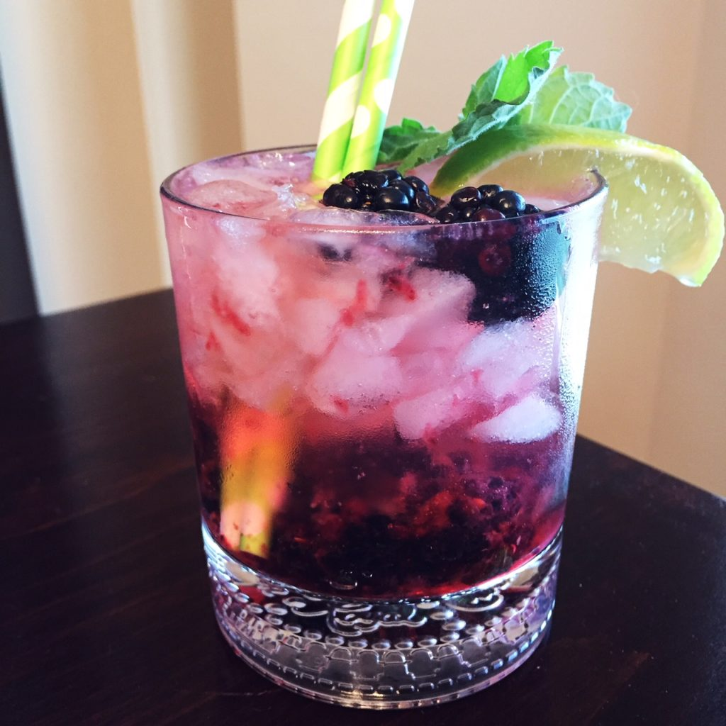 Blackberry Mint Fizzy Cocktail