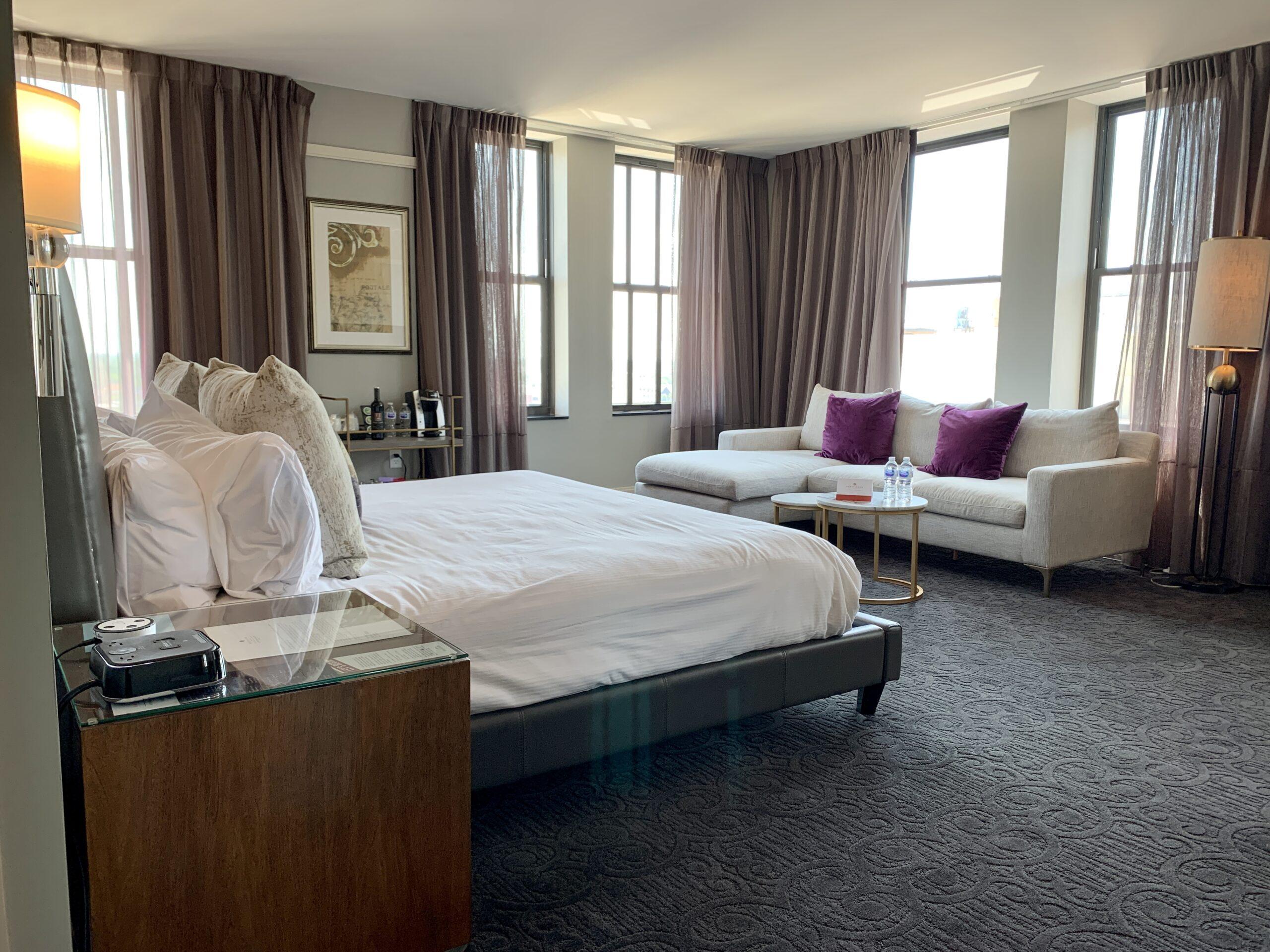 Premium Corner King hotel room